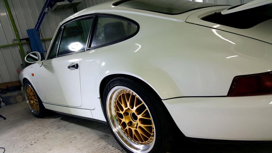 ポルシェ964の色あせ 艶が無い塗装の磨き 埼玉の車磨き専門店