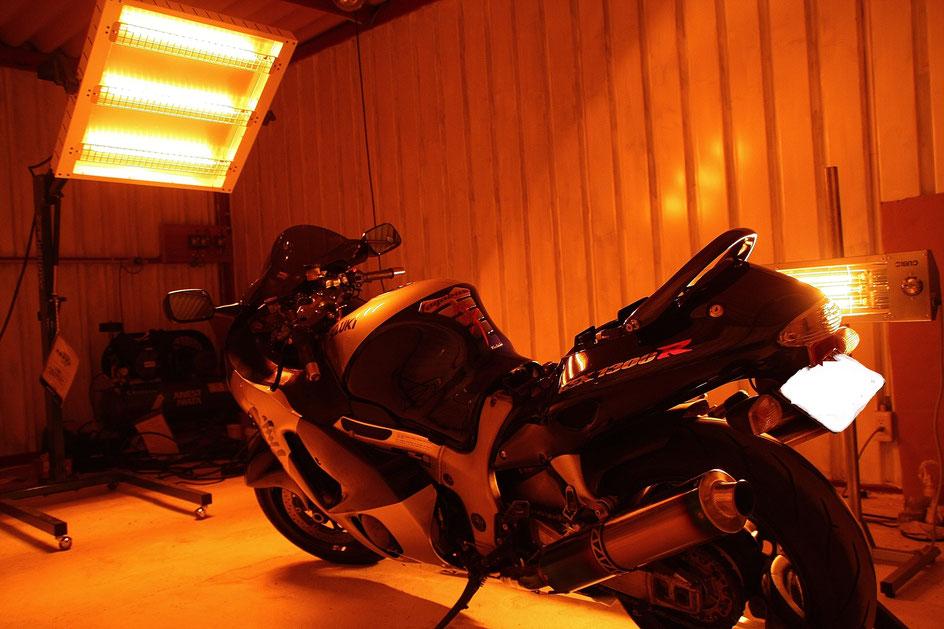 GSX1300R隼の焼付けガラスコーティング バイク磨き