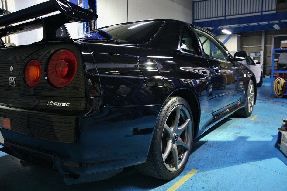 GT‐Rのコーティング 埼玉の車磨き専門店 BNR34 傷除去 染み除去 塗装の色褪せ改善