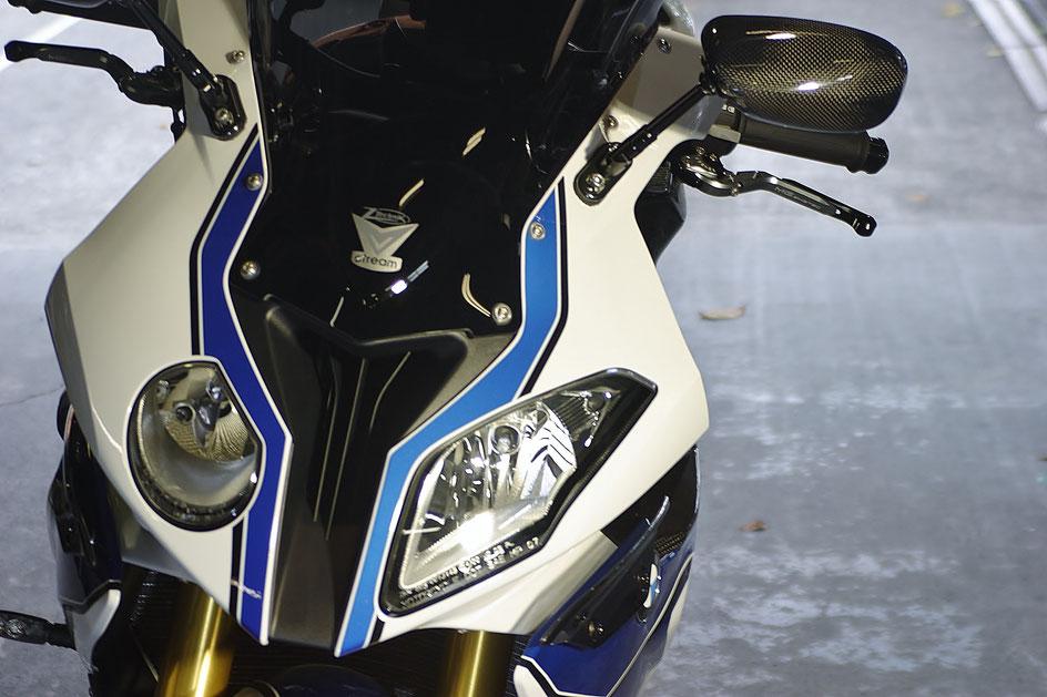 バイクのガラスコーティング料金 BMWHP4の磨き 埼玉三芳 朝霞 狭山 東松山 草加 越谷