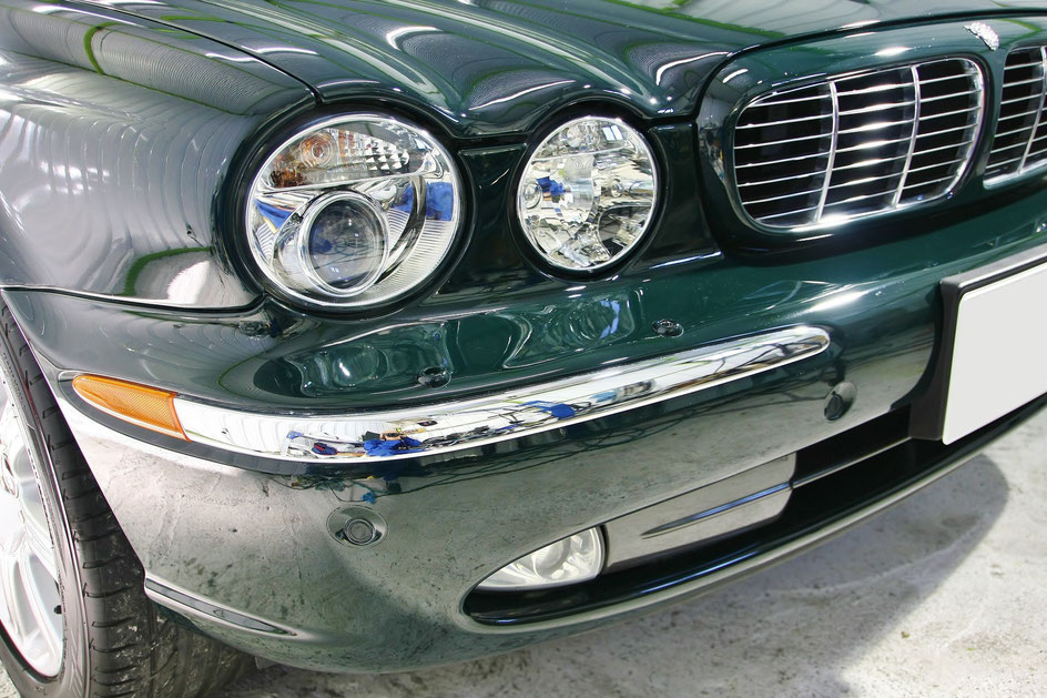 ジャガーXJ8の磨き・コーティング完成 埼玉三芳 濃色車の研磨・ガラスコーティング レーシンググリーン ソリッドカラーのボディコーティング