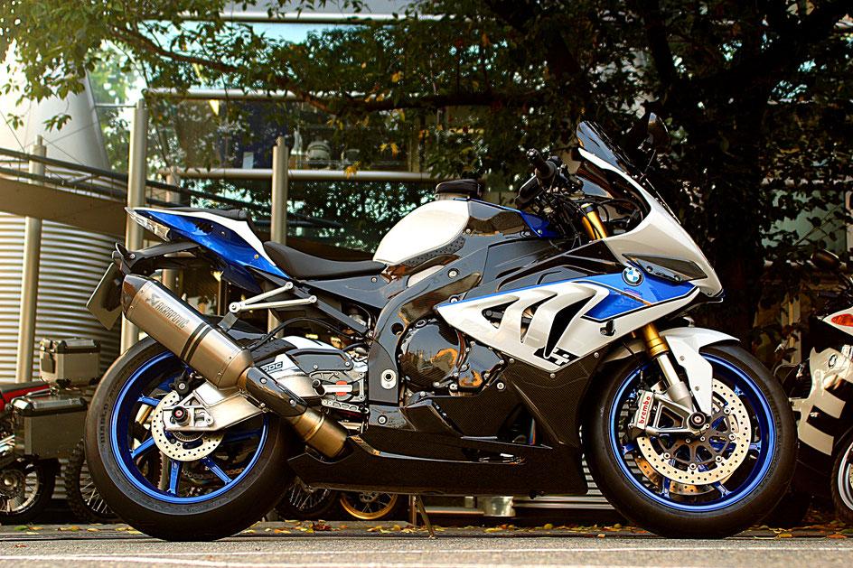 HP4のガラスコーティング料金 埼玉所沢のバイク磨き専門店 和光 浦和 BMW 狭山 川越