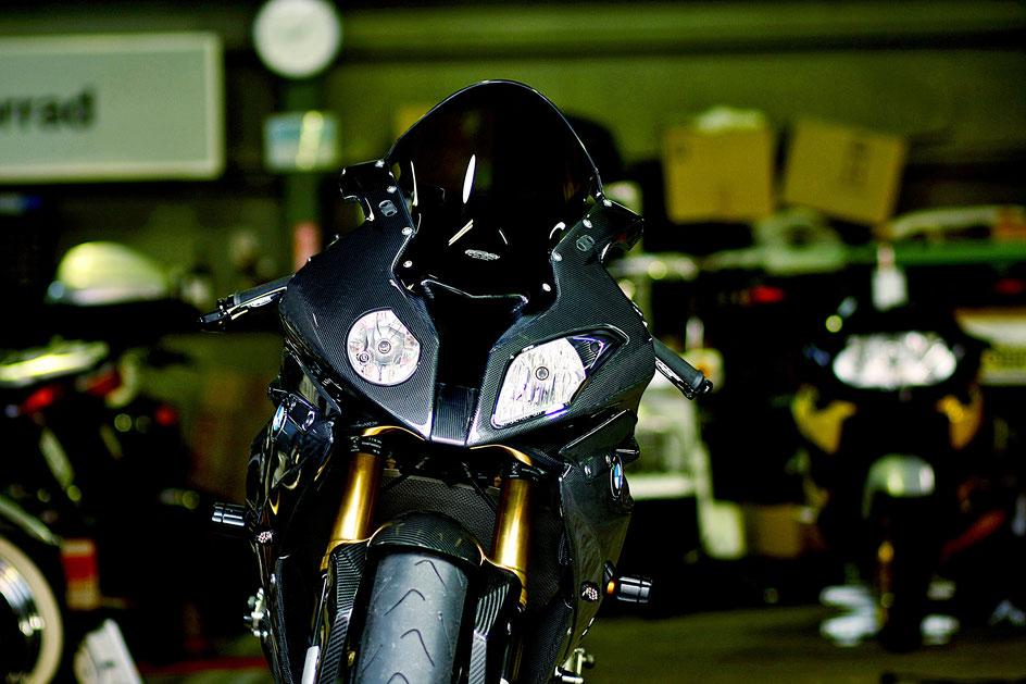 S1000RRの磨き完成 バイクのガラスコーティング