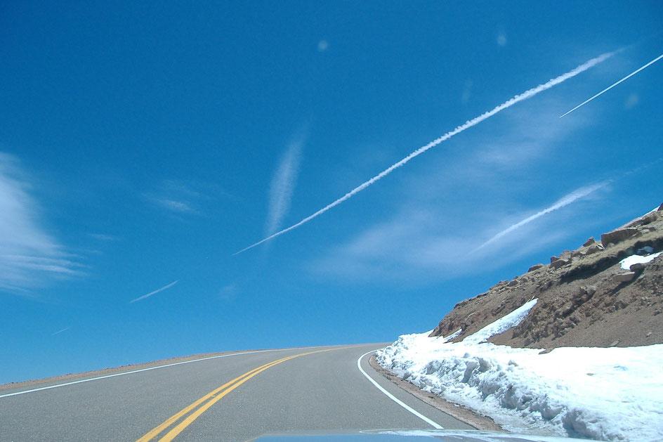 Bild: Pikes Peak im Ford Mustang