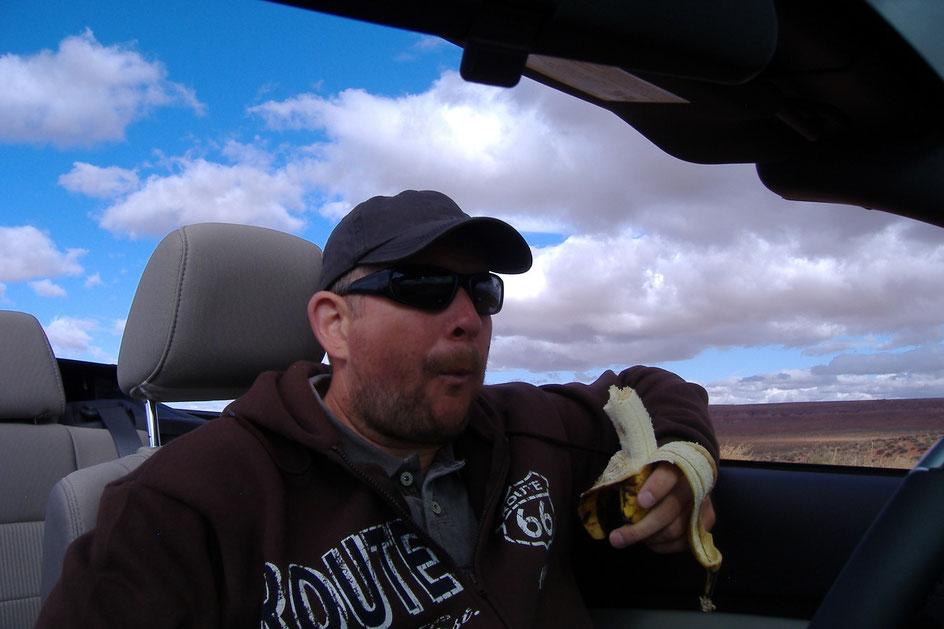 Bild: HDW im Ford Mustang mit Banane