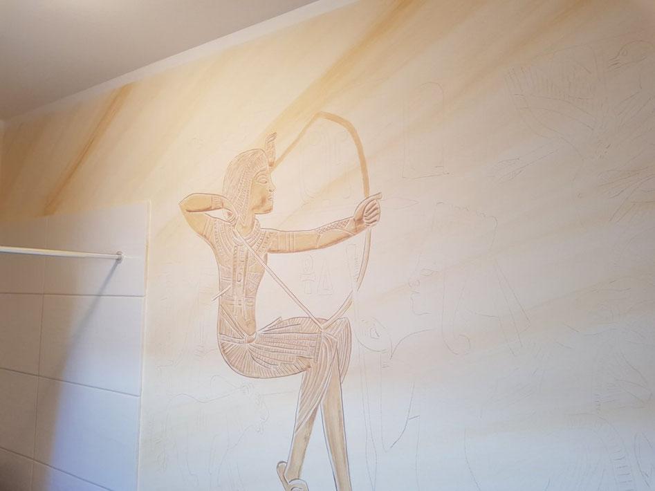 Entstehung einer Wandmalerei nach einer Vorlage des goldenen Schreins aus dem Grab von Tutanchamun. Mit freundlicher Genehmigung der bpk Bildagentur Berlin.