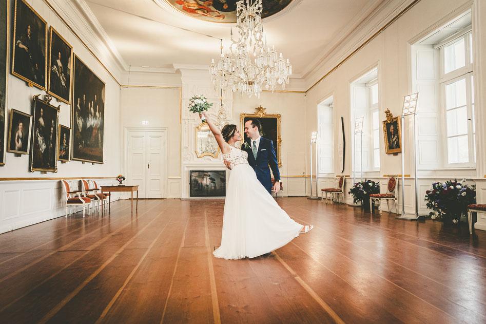 Hochzeit in Eutin am Schloss, Hochzeitsfotograf Dennis Bober von DeBo-Fotografie, Hochzeitsfotos und Hochzeitreportagen.