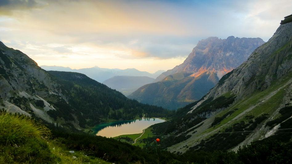 Titelbild Landschaftsfotografie - Berglandschaft mit Bergsee