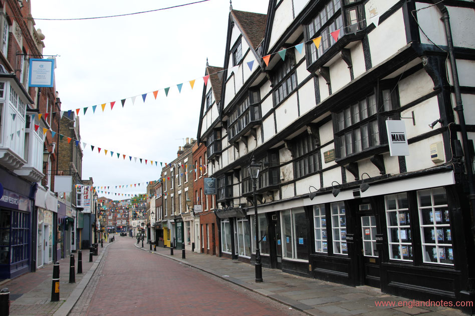 Sehenswürdigkeiten und Reisetipps Rochester, England: High Street von Rochester