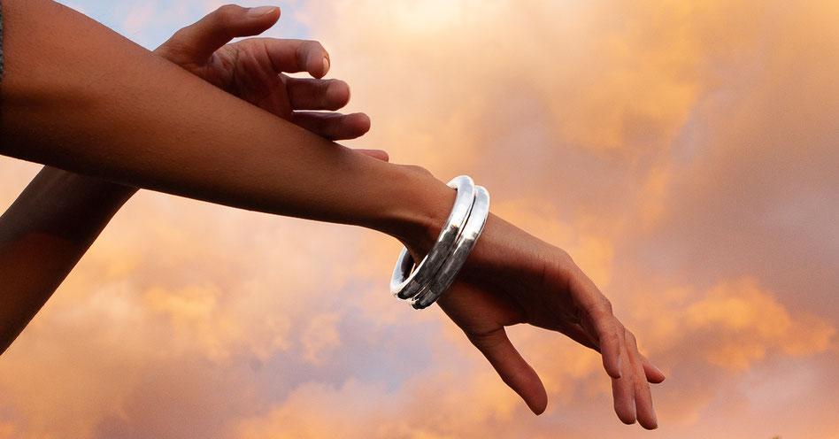 Bracelet gros anneau d'argent massif, bangle
