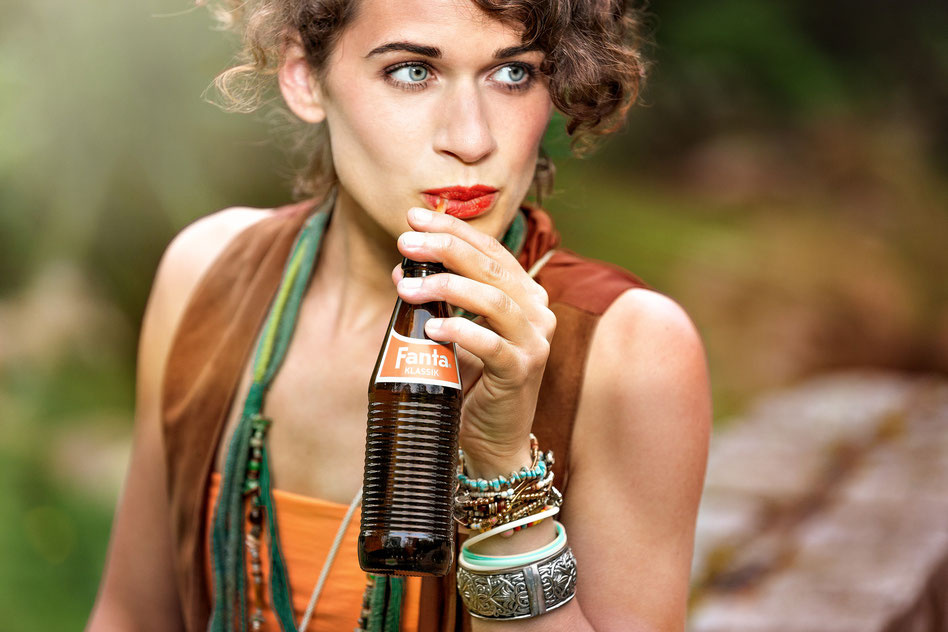 Lifestyle Fotografie, Werbefotografie, Ethno Look, Festival Look, Fashion Shoot, Fanta Klassik, Model Shooting, Produkt shooting, Accessoires, Schmuck