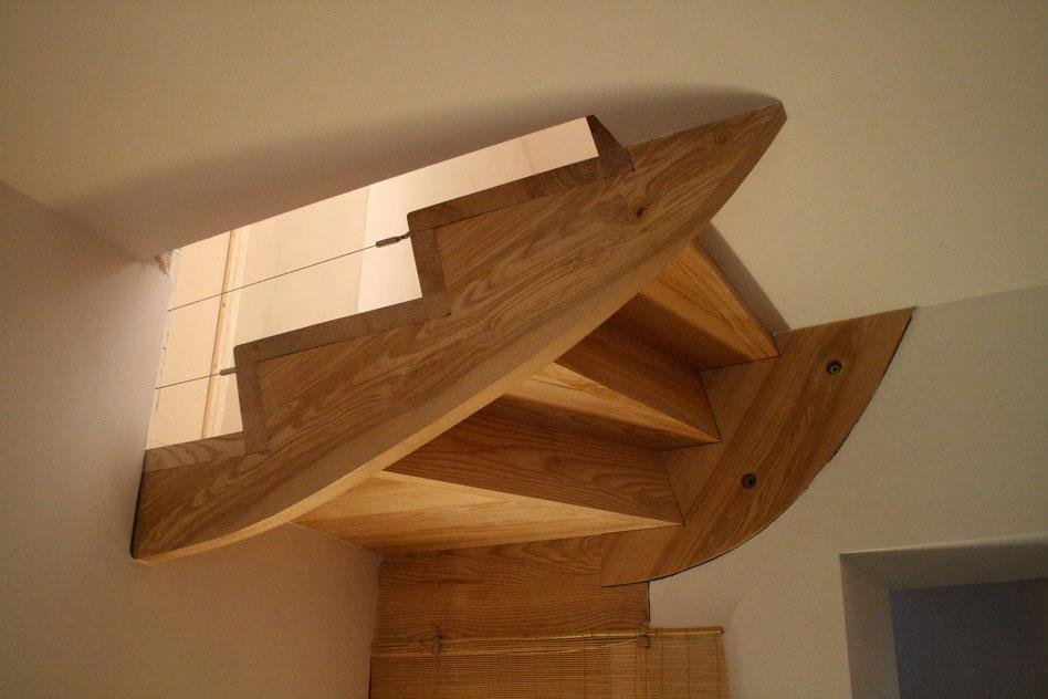 Qu'est-ce que cet objet ? Escalier, pièce d'art ? Venez découvrir toutes nos réalisations intérieures.