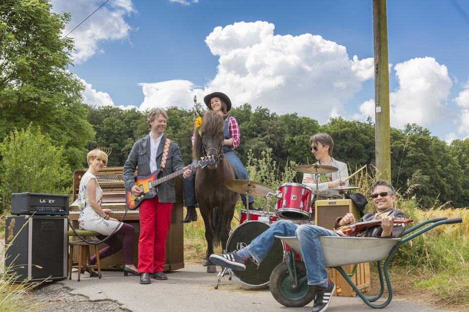 Village - Funk, Ethno - Punk, Sozio - Kraut, Dielentanz,  - Crossover - Weltmusik - Jazz - Pop, Yeah