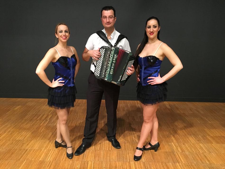 Bien entouré de nos danseuses Florence et Anabelle Bessé sur Braye 2018