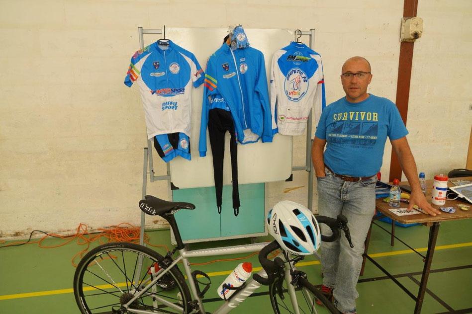 Dimanche 15 septembre 2019 à Condé-en-Brie, Gilles Garreau présentait le club cycliste Grupetto au public dans le cadre du forum des associations de la Communauté d'Agglomération de la région de Château-Thierry.