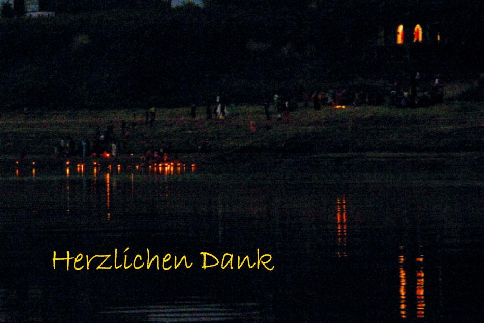 Varanasi Ganges_ Vielen Dank an Alle und liebe Grüsse   Silvia & he