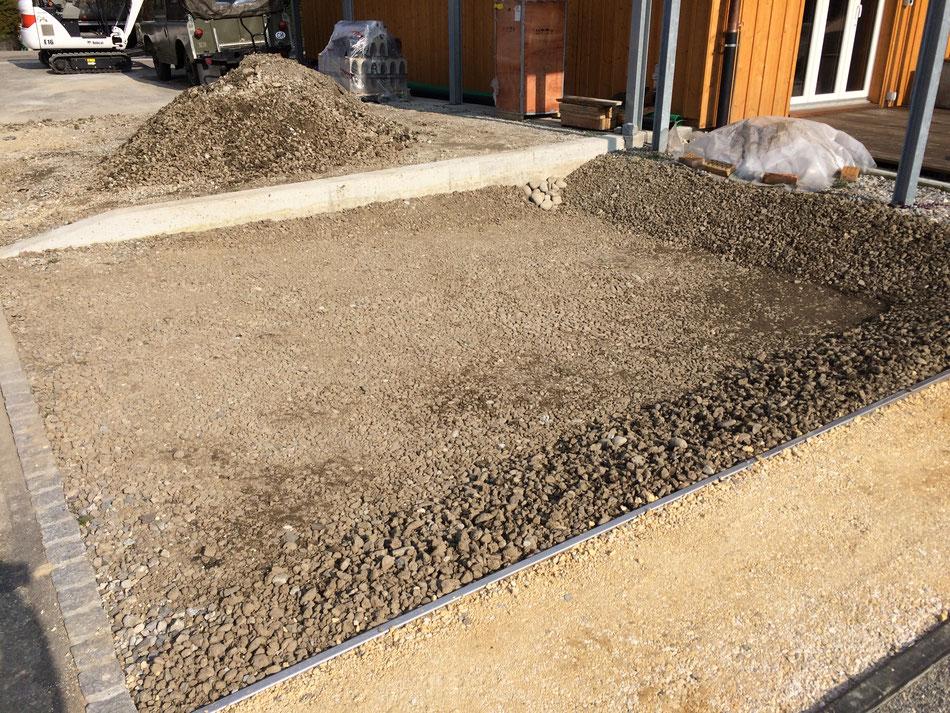 Versickerungsmulde für Vorplatzentwässerung (Studen)
