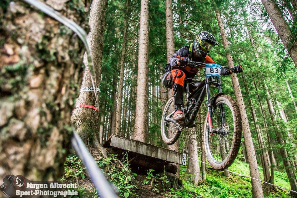 IXS GDC Brandnertal 2017 - Not our best race. Dario cutting his leg and can't ride his bike for a few weeks! Photo: Jürgen Albrecht Sport-Photographie