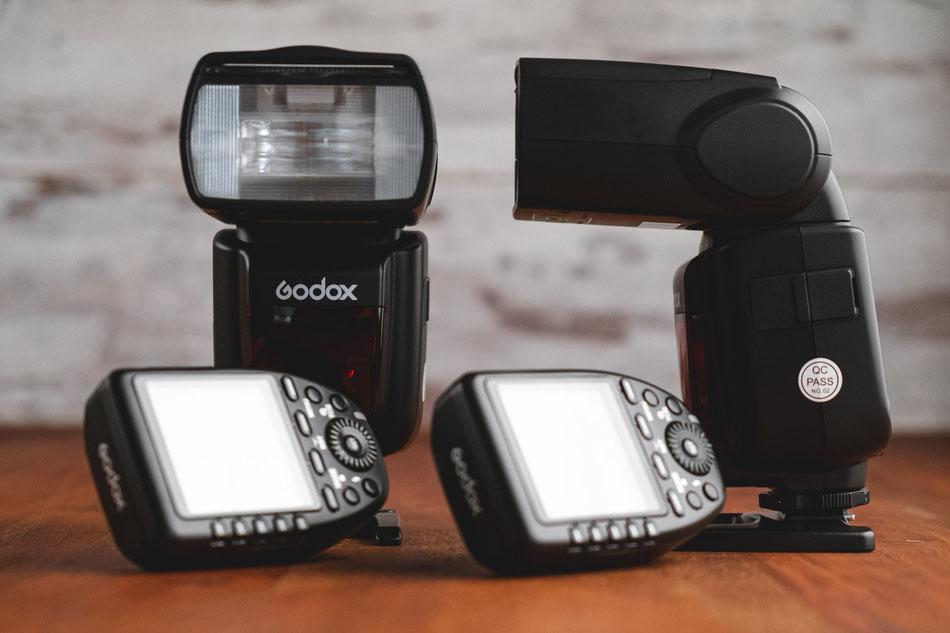 Godox Blitzsystem mit Nikon und Fujifilm Funkauslösern