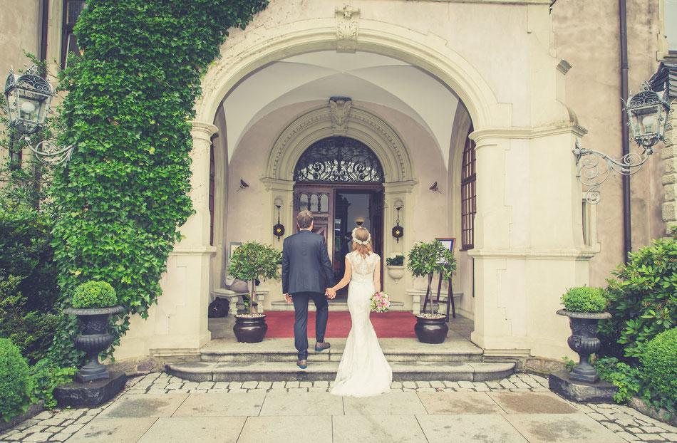 Hochzeitfotos Hamburg am Schloss Tremsbüttel, Hochzeitsfotografie Hamburg Lübeck, Hochzeitsreportage Hochzeitsfotografie Hamburg Lübeck, Hochzeit Hamburg, profesioneller Hochzeitsfotograf Hamburg, Lübeck Fotostudio, DeBo-Fotografie Dennis Bober.