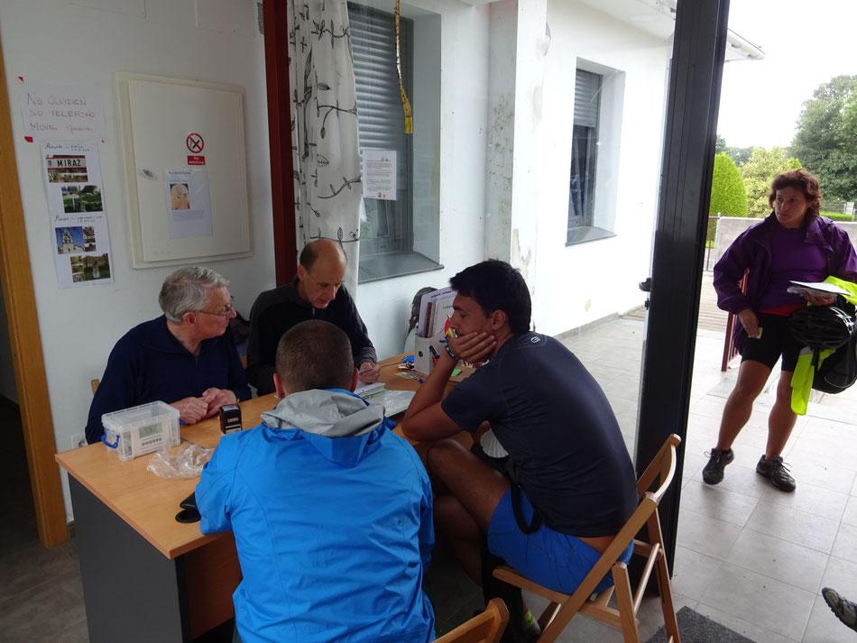 Die Albergue in Miraz bittet gute Ausstattung und sehr nette Atmospäre, Frühstück Inclusive.