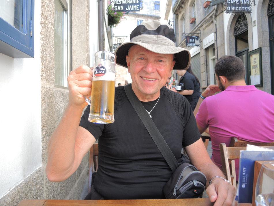 """Jetzt schmeckt eine kühle """"cana Estrella Galicia"""" hervorragend."""