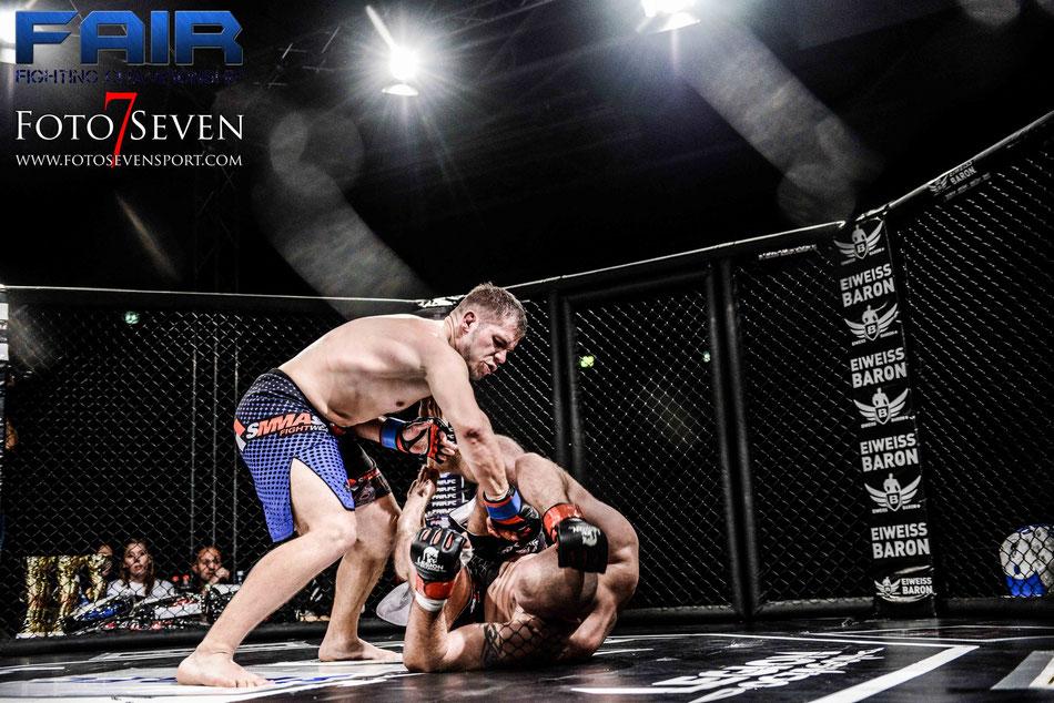 Petros Petropoulus (Thrax MMA Velbert) vs. Timo Kersting (Arena DO)
