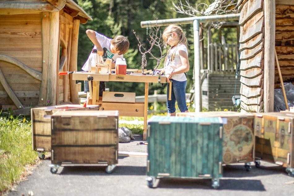 Familienurlaub im Kreativ Chalet Schröcken