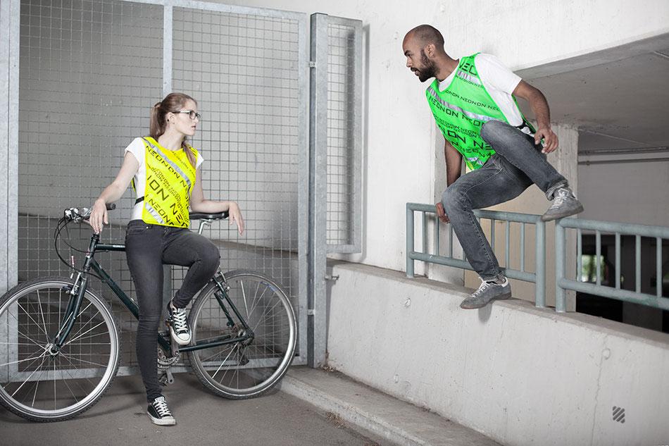 die neue GOVIS Signalweste mit noch mehr Reflektoren, ideal zum Fahrradfahren