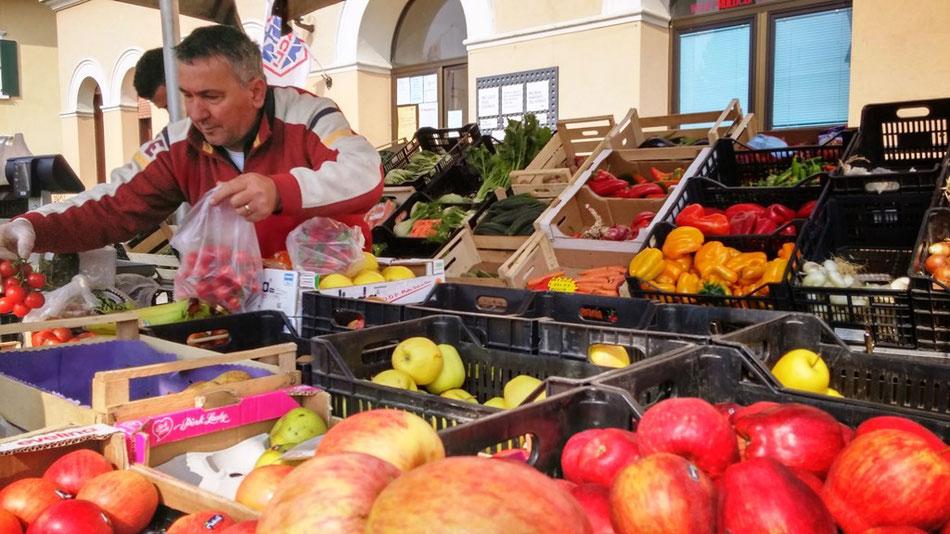 Ortofrutta, Obst- und Gemüsehändler in Italien
