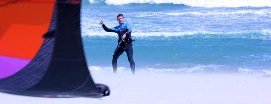 Kitesurfer in Kapstadt, Südafrika - Lifetravellerz.com