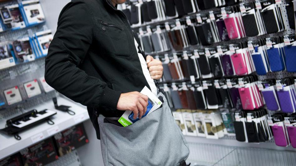 Winkel diefstal komt vaak voor daarom zetten wij vak bekwaam beveiligers in om het veiligheid van winkels te waarborgen
