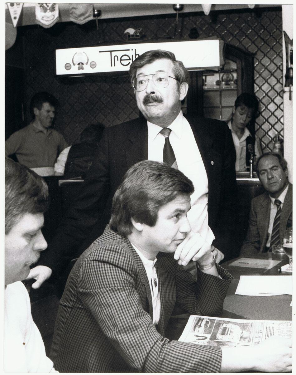 Pressekonferenz Rallye Vorderpfalz 1986 - v.l. Willi Häfele, Gunter Wanger und stehend Gert Raschig