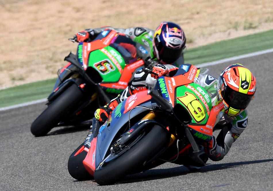 Stefan Bradl und Alvaro Bautista in der MotoGP für Aprilia in Aragon 2016.