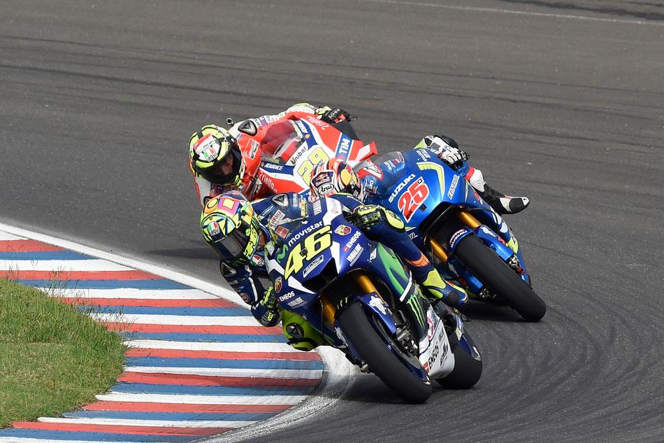 Der Kampf um die Podestplätze zwischen Valentino Rossi, Maverick Vinales und Andrea Iannone.