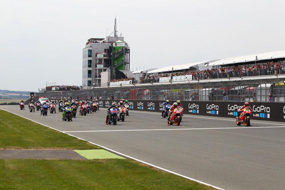 Der Start zum Rennen am Sachsenring. Das letzte MotoGP Rennen vor der Sommerpause 2015.