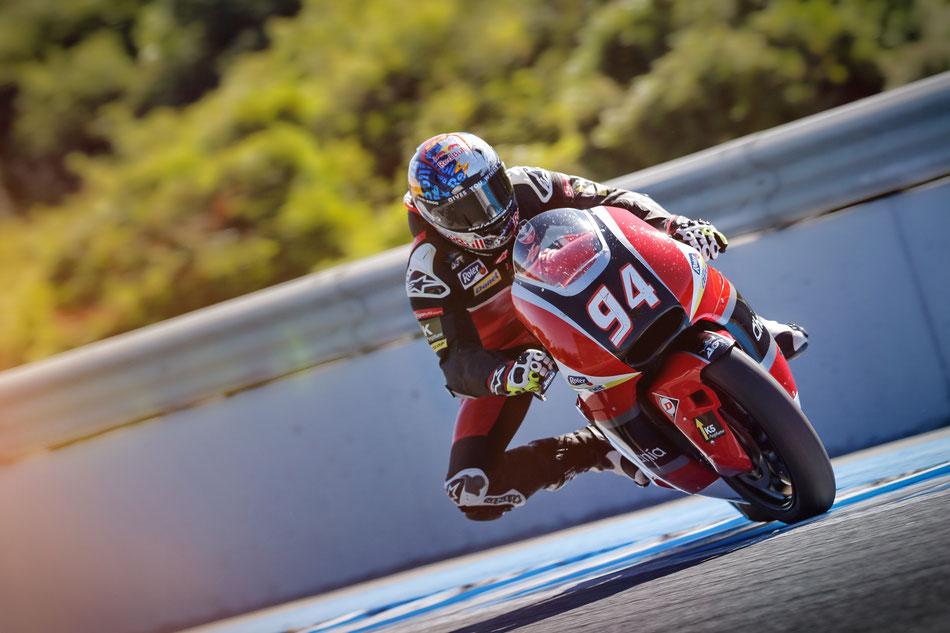 In der Moto2 gibt es keine Haltungsnoten. Hier gäbe für Jonas Folger aber eine glatte 10.