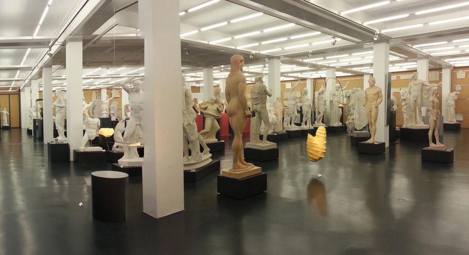 Ausstellungsansicht, Zeitgemäß, Archäologische Sammlung, Albert-Ludwigs-Universität, Freiburg i. Br., 2013