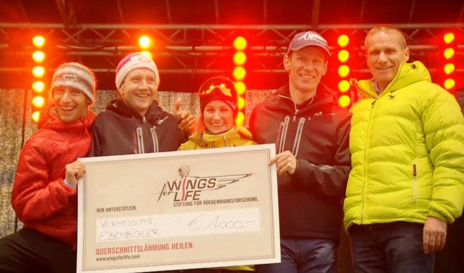 Ebenbichler übergibt 1.000€ an Team Wingsforlife mit Michael Kurz, Oliver Dreier, Nadine Wallner, Ernst Scheiber. Rise&Fall ©2015