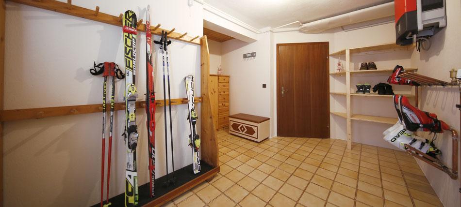 Nach genialen Skitagen auf Hauser Kaibling, Planai, Hochwurzen und Reiteralm trocknet Deine Ausrüstung im Skikeller