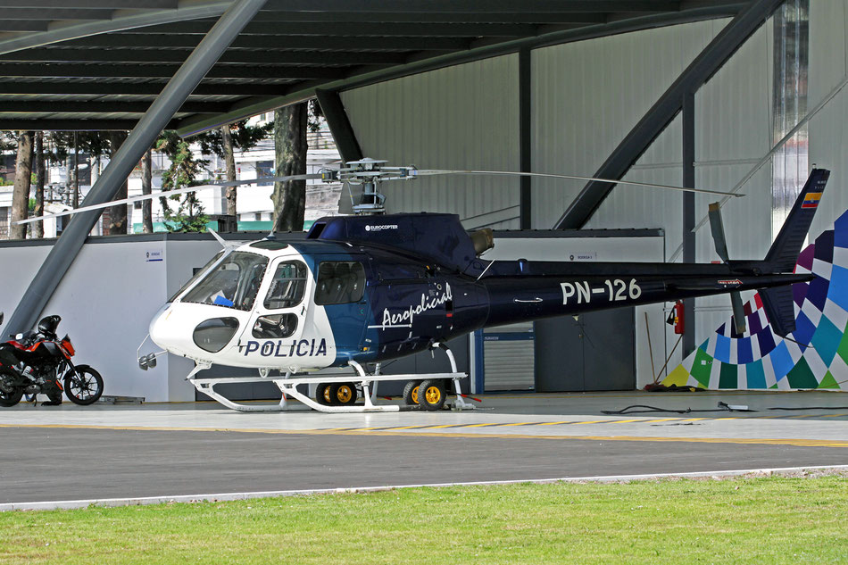Policía Nacional del Ecuador Eurocopter AS350-B2 PN-126