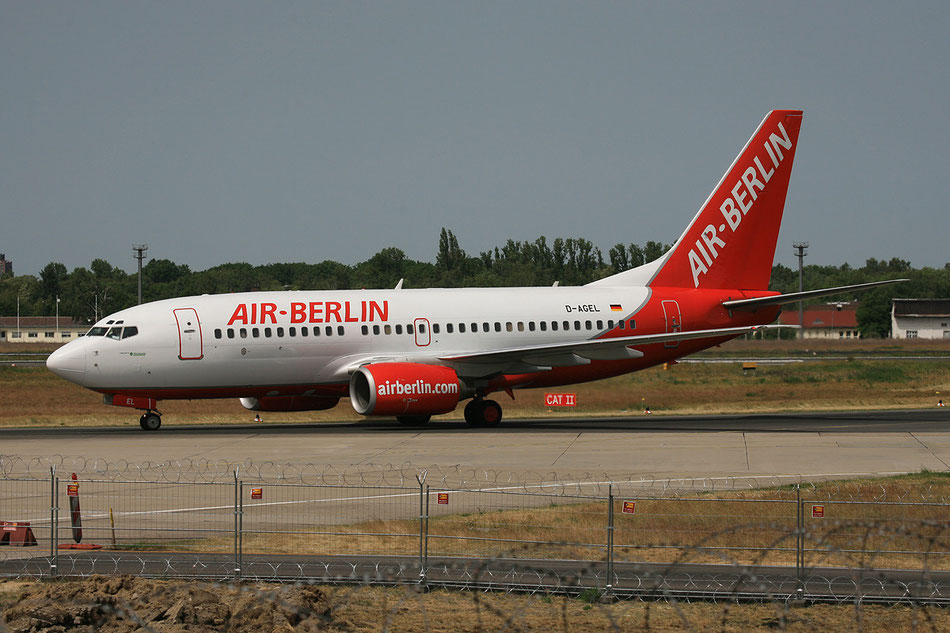 Als Air Berlin in TXL kurz bevor der alte Spotterhügel abgeschafft wurde.