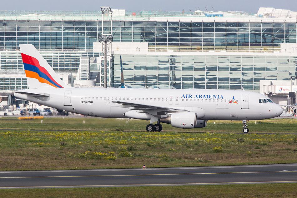 Als EK32050 bei der glücklosen Air Armenia in Frankfurt.