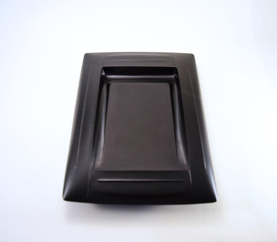 伝統の角物硯を現代のフォルムへ