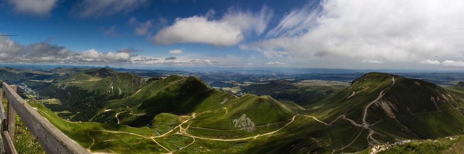 Panorama vom Puy de Sancy (Von Peter Dorsman, CC BY 3.0)