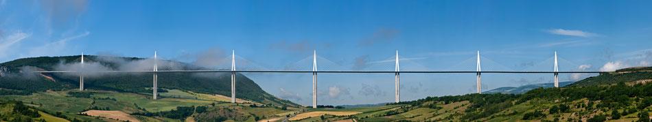 Die höchste Brücke der Welt: Viaduc de Millau (Von Stefan Krause)