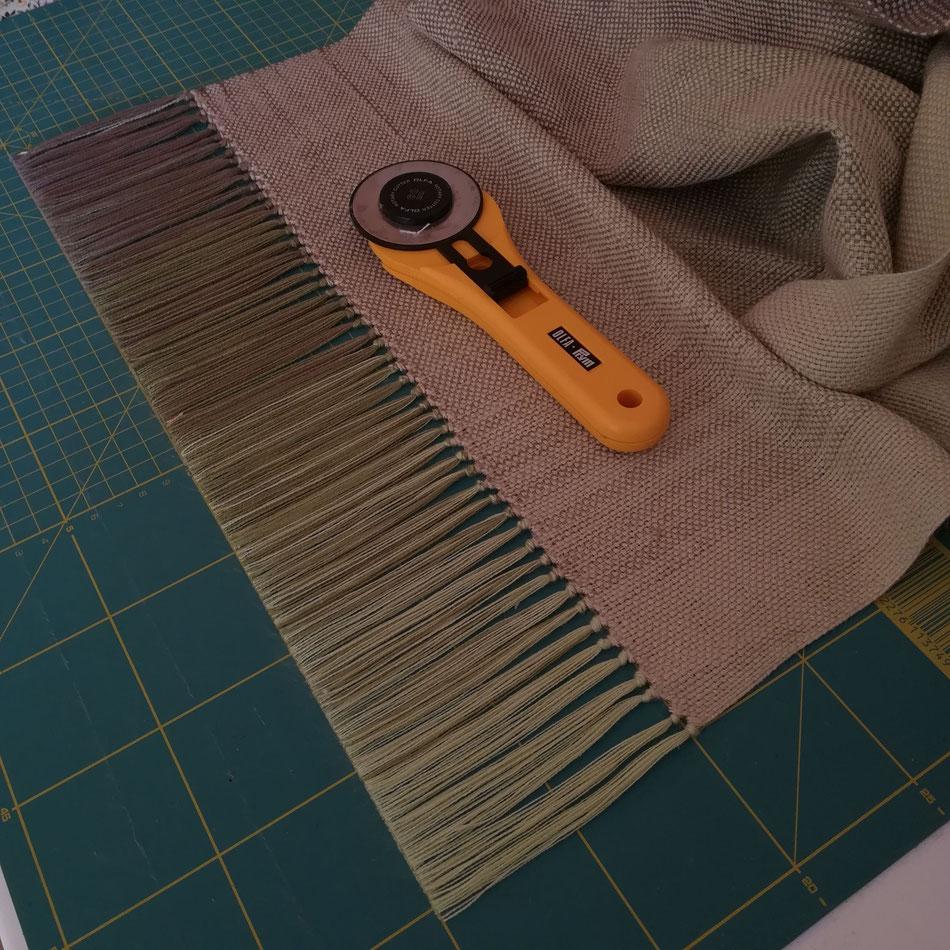 Écharpe en coton et soie tussah. Franges torsadées ou tressées??