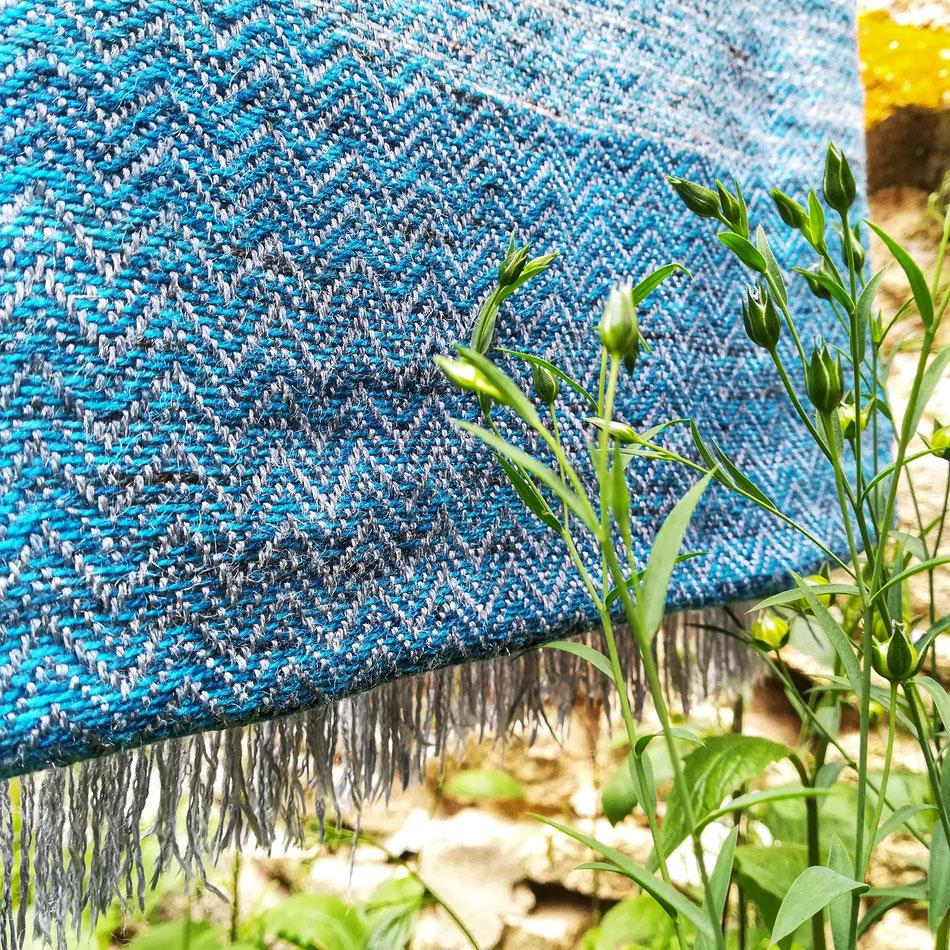 De la pure soie et des jeunes pousses de lin