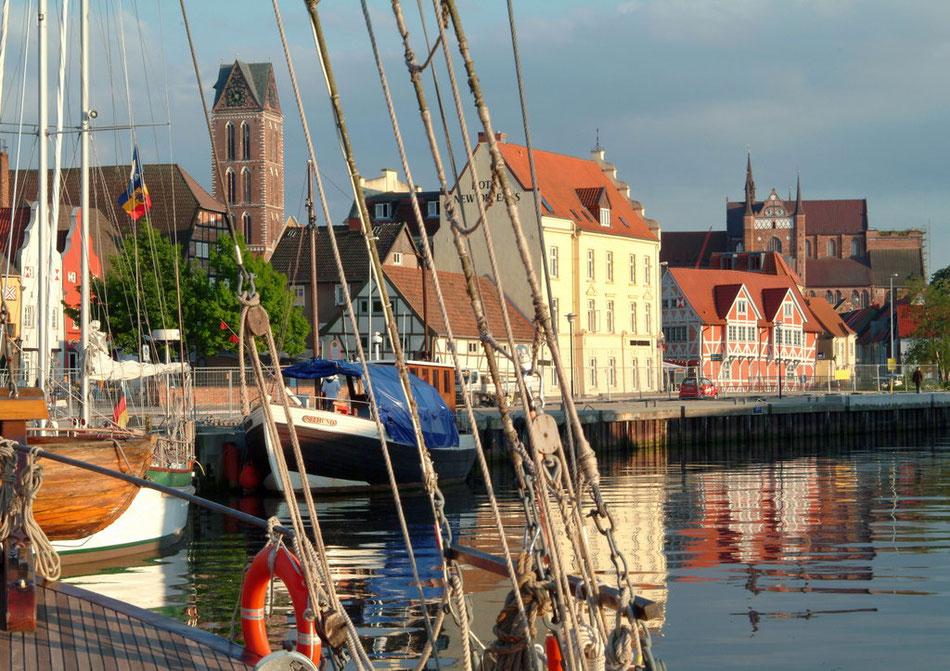 Am Alten Hafen in Wismar