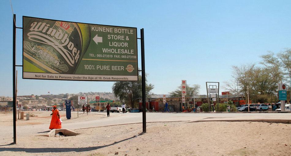 Opuwo, la ville hétéroclite où se cotoient les héréros,les himbas, les occidentalisés ...